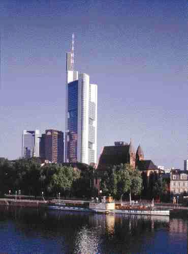 The ecologically designed Commerzbank towers over historic Frankfurt. Elizabeth Walker/Foster Assoc.