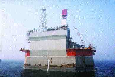 Molikpaq Spacer Offshore Production Platform, Sea of Okhotsk.