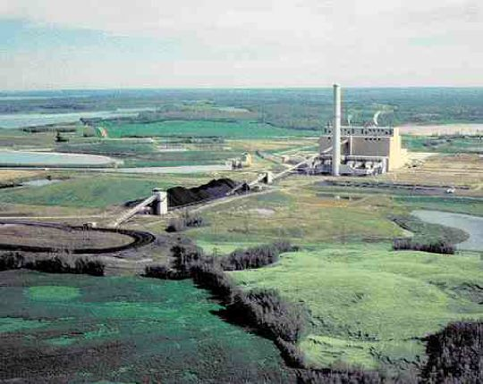 Keephills coal power plant near Edmonton. In February, TransAlta announced it plans to build a $1.8 billion expansion to the plant, adding two 450-MW generating units and bringing its total capacity to 1,654 MW by 2005.
