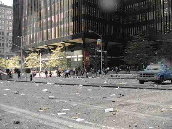 ZENAA/Jeroen MorrienPeople fleeing on Church Street at 8:50 a.m.