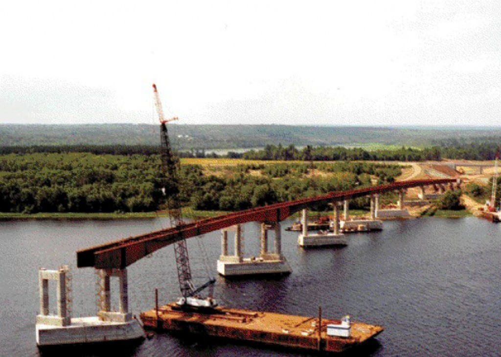 Saint John River Bridge during construction, stretching over a 60-metre channel with 14 spans.