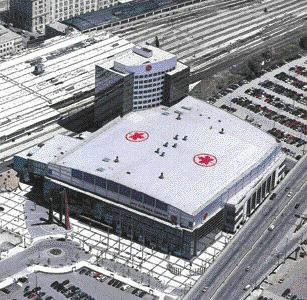 The Air Canada Centre in Toronto completed in 2000 has a custom-coloured 45-ml thermoplastic olefin (TPO) roofing system incorporating a maple leaf. Photo courtesy Sure-Weld, Carlisle Syntec.