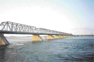 Victoria Bridge today. When it was constructed as a two-mile crossing in 1860, it was the longest bridge in the world. The tubular superstructure was removed in 1897.