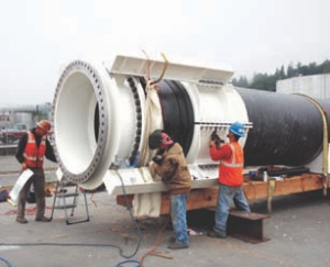 1600-mm diameter HDPE pipe fitted with joint restraint clamps for connecting to the steel pipe.