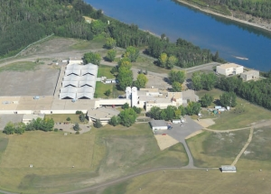 Aerial view, with new pump house facilities at right facing onto North Saskatchewan River.