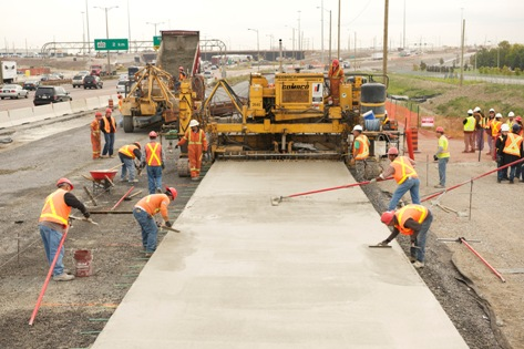 Concrete with Portland Limestone Cement being laid on an exit lane off Highway 401 eastbound near Toronto. The pavement will be monitored over three years. Photo courtesy Holcim Canada.