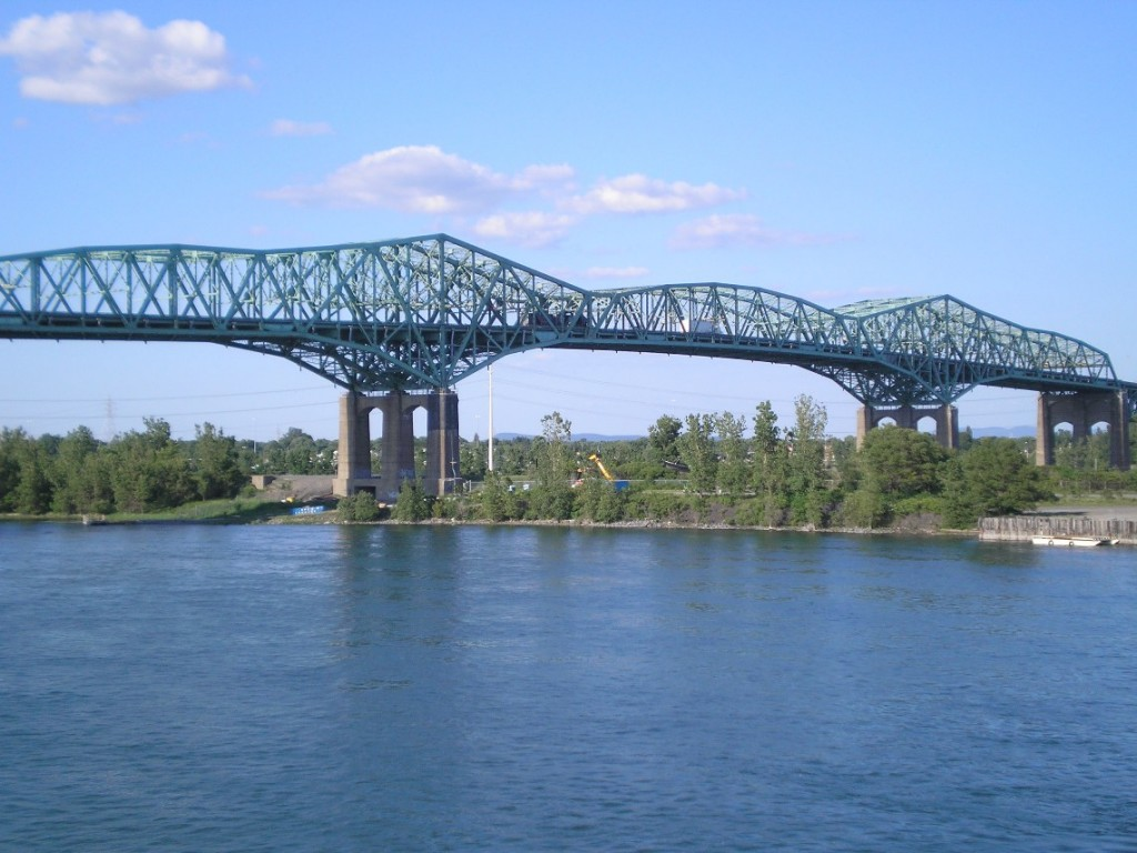 Champlain Bridge, Montreal.  Photographed 2008, Creative Commons, attributed to Blanchardb at en.wikipedia