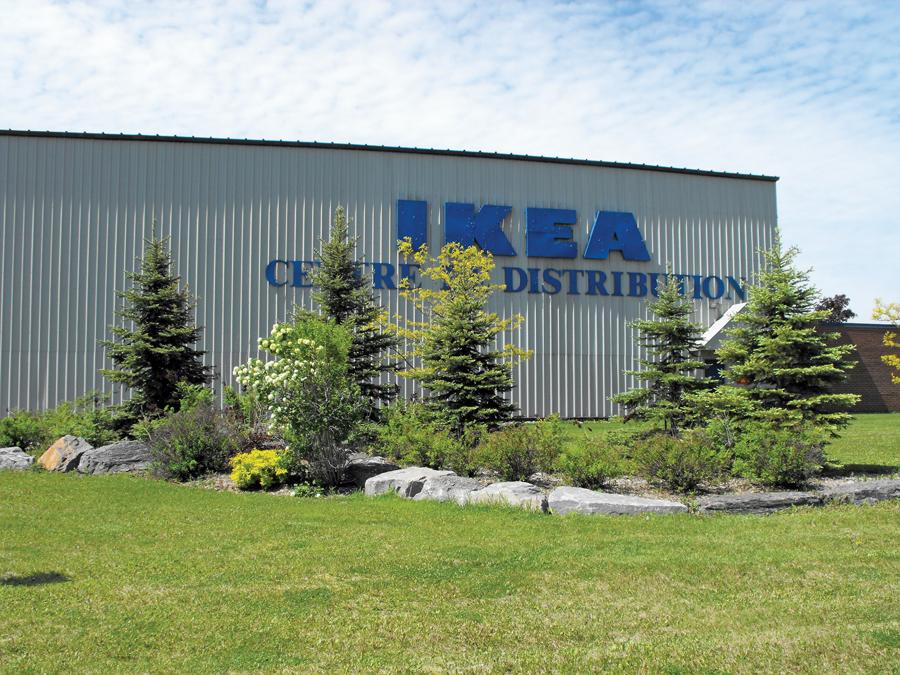 The 78,110-m2 distribution centre supplies IKEA storesin a 1,000-km radius.