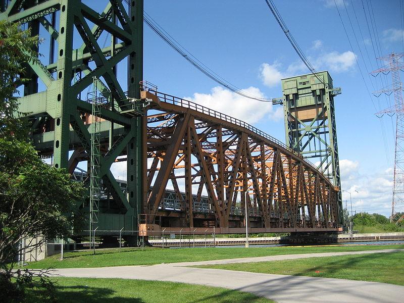 Burlington Canal Lift Bridge, view from Hamilton, Ontario. (Wikipedia Commons, Nh14hamilton).