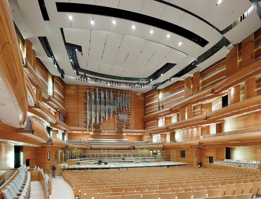 General view of the concert hall.