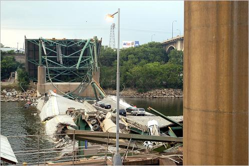 Official Minnesota Department of Transportation investigation photo of the I-35W bridge collapse in Minneapolis, taken Aug. 3, 2007. ASCE website.