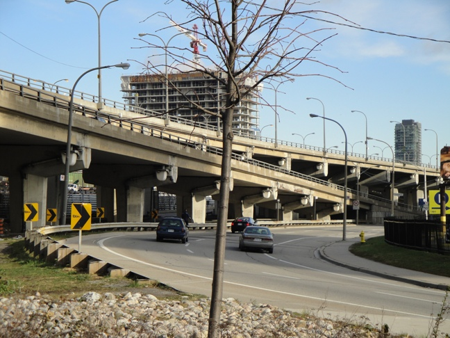 Gardiner Expressway elevated section in Toronto's downtown core.  Photograph: BP/CCE