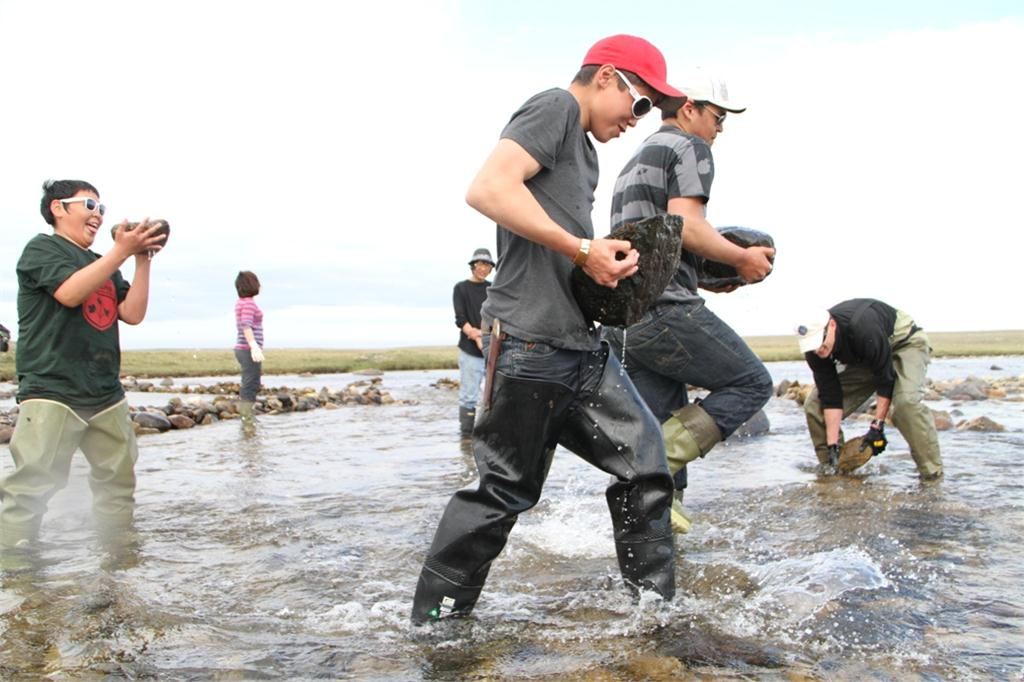 Golder Associates won a CEA Showcase award of excellence for its community outreach to Kugluktuk, Nunavut.