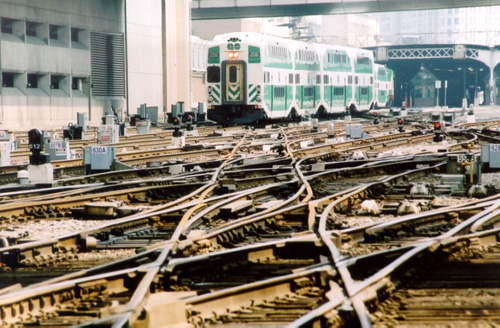 Go Transit has contracted Hatch Mott MacDonald to help with its Metrolinx signaling and train control improvement program in the Greater Toronto Area.