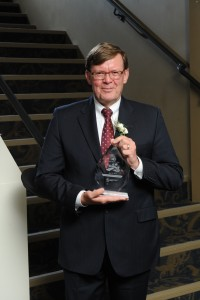Tom Wingrove, P.Eng., winner of the 2015 Lifetime Achievement Award from ACEC-Manitoba.