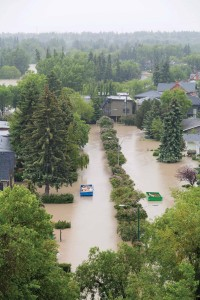 Flooded Calgary neighbourhood in June 2013. Photo: Golder Associates.