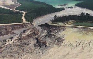 Aerial image after Mount Polley mine tailings spill. (Photo: Cariboo Regional District)