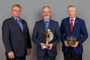 AXOR receiving the Visonary Award at the Grand-Prix du Génie Conseil Québécois 2016.