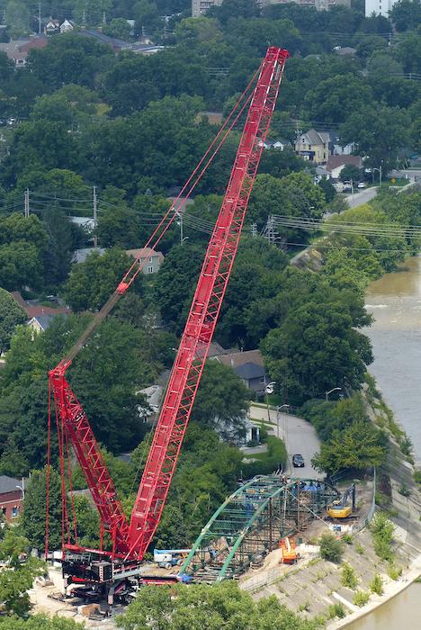 Crane for Blackfriars Bridge