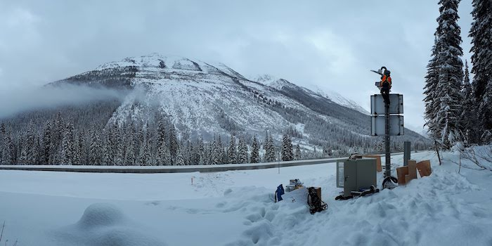 Avalanche detection at Rogers Pass: LARA installation