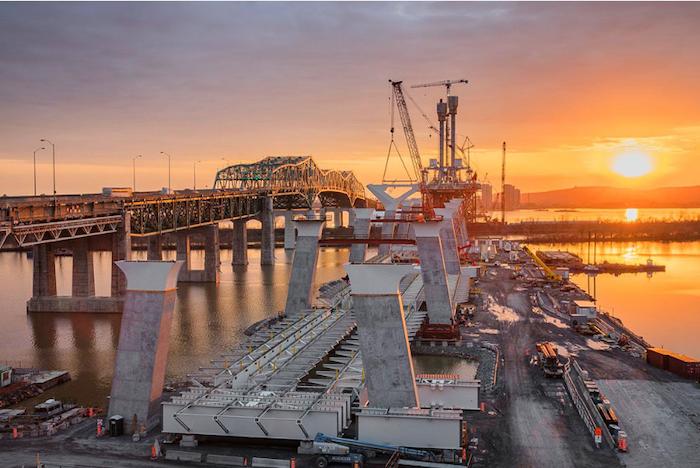 Samuel De Champlain Bridge construction - temporary jetty 1